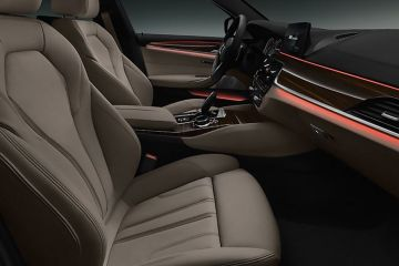 BMW 5 Series Front Seats (Passenger View)