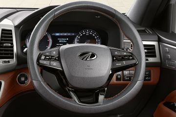 Mahindra Alturas G4 Steering Wheel