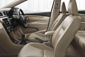 மாருதி சியஸ் Front Seats (Passenger View)