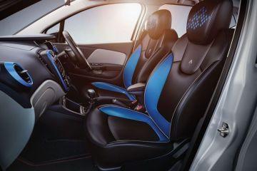 Renault Captur Front Seats (Passenger View)