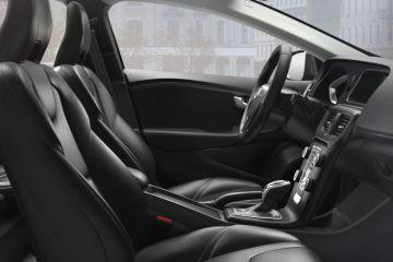 वोल्वो वी40 Front Seats (Passenger View)