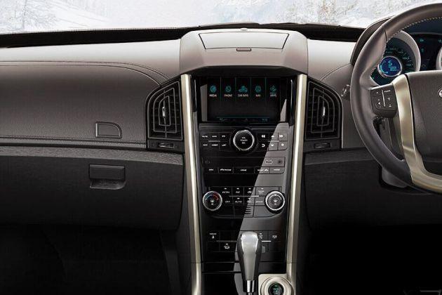 Mahindra XUV5OO Automatic Review   CarDekho com