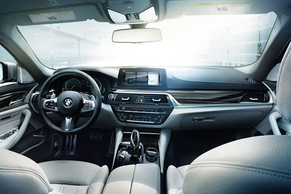 BMW 5 Series DashBoard Image