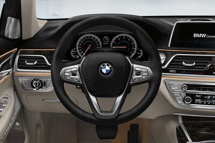 BMW 7 Series Steering Wheel Image