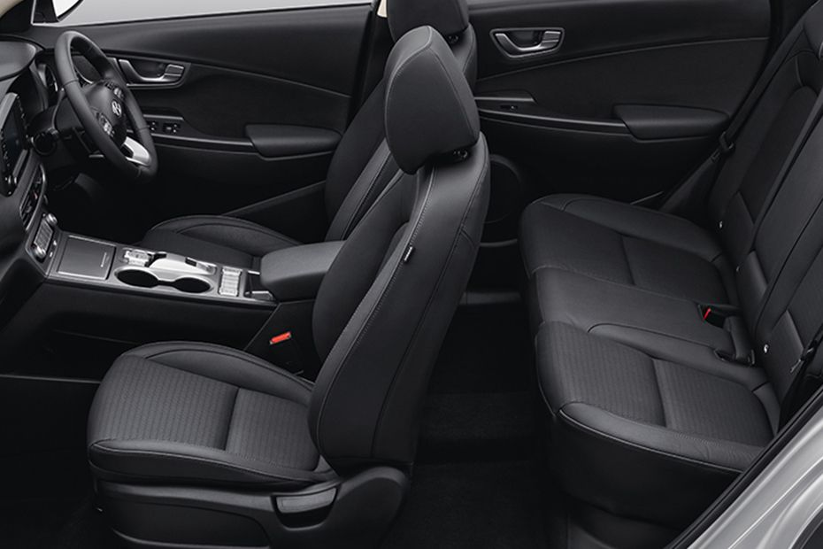 https://stimg.cardekho.com/images/carinteriorimages/930x620/Hyundai/Hyundai-Kona/6234/1562660977509/seats-(aerial-view)-53.jpg