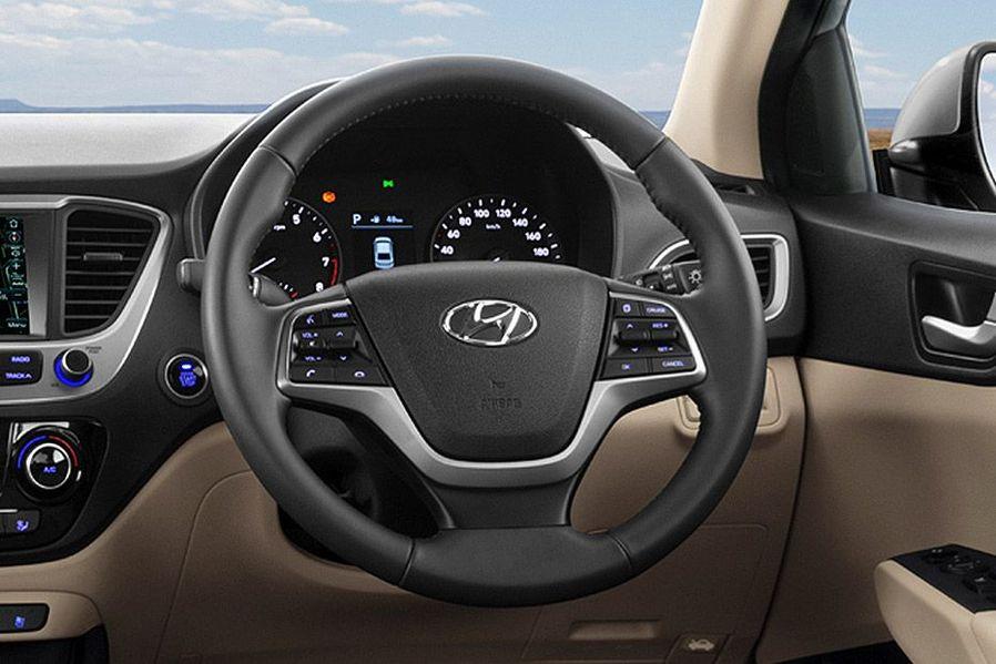 Hyundai Verna Adjustable Steering Wheel