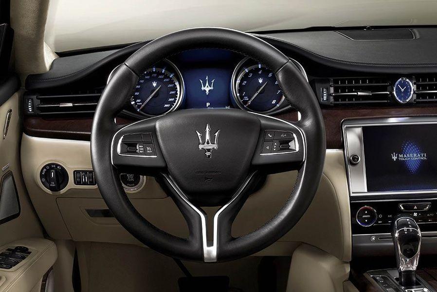 Maserati Quattroporte Steering Wheel Image
