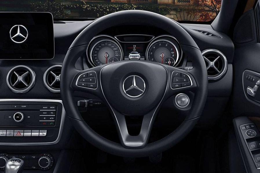 Mercedes-Benz GLA Class Steering Wheel Image