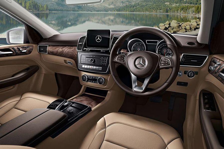 Mercedes-Benz GLE Class DashBoard Image
