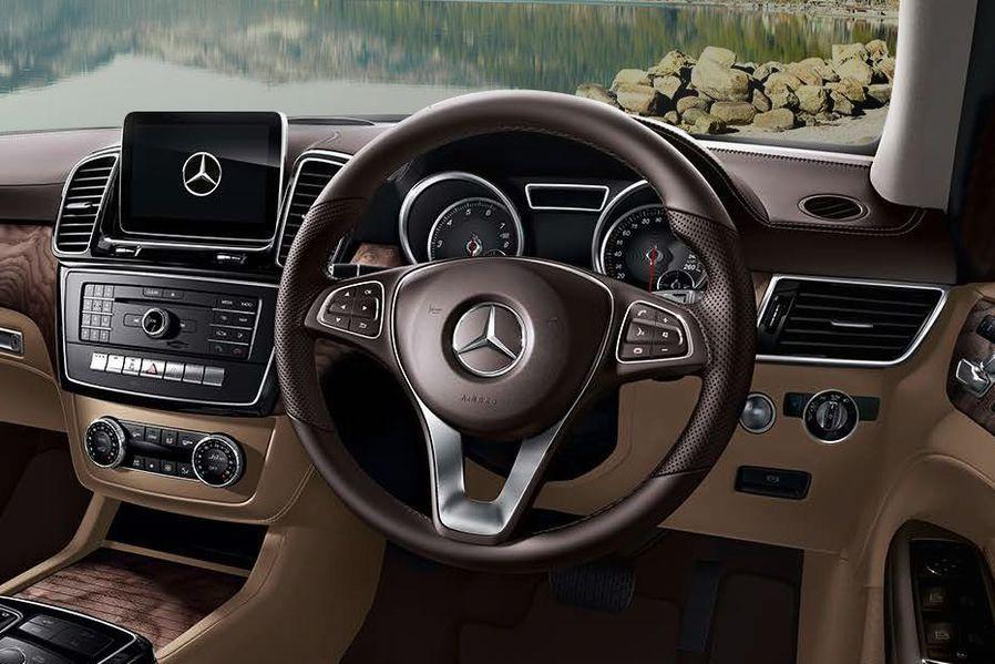 Mercedes-Benz GLE Class Steering Wheel Image