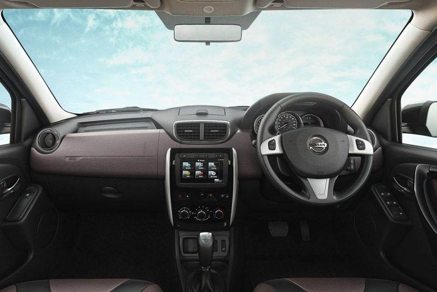 Nissan Terrano Spotier Looking Dashboard