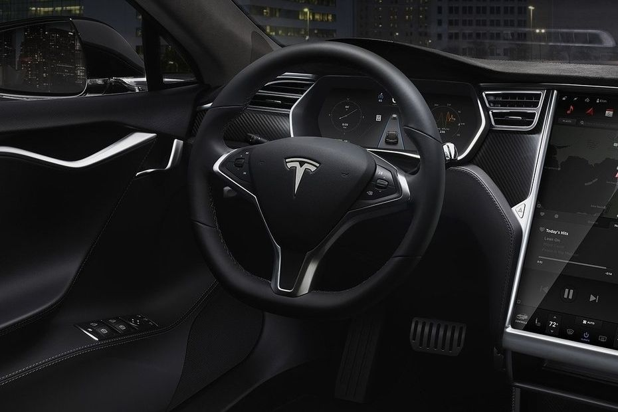 Tesla Model S Steering Wheel Image