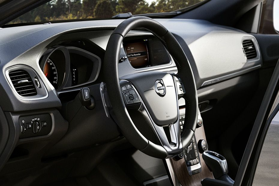 Volvo V40 Cross Country DashBoard Image