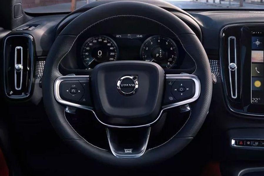 Volvo XC40 Steering Wheel Image