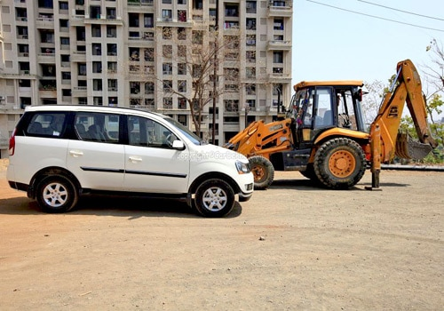 Mahindra Xylo Road Test Images