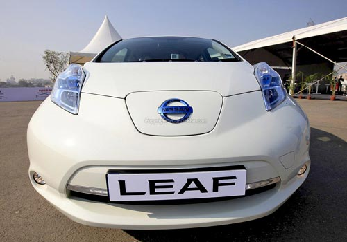 Nissan Leaf Road Test Images